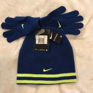 NIKE YOUTH Reversible beanie and mittens set